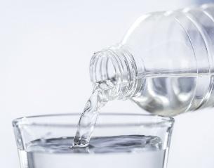 Сколько надо пить воды в день?