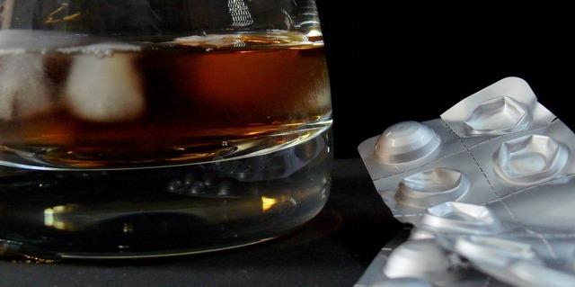 Антибиотики и алкоголь. Можно ли их совмещать?