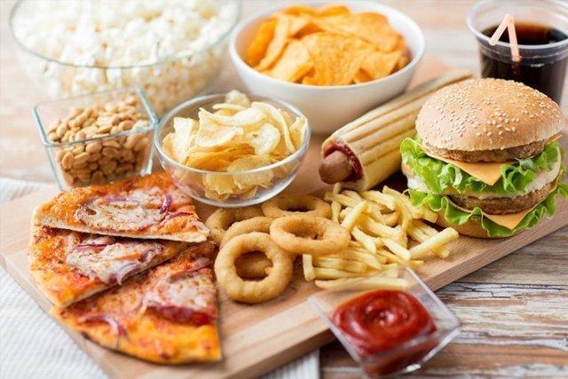 Как справиться с перееданием: секреты народной медицины